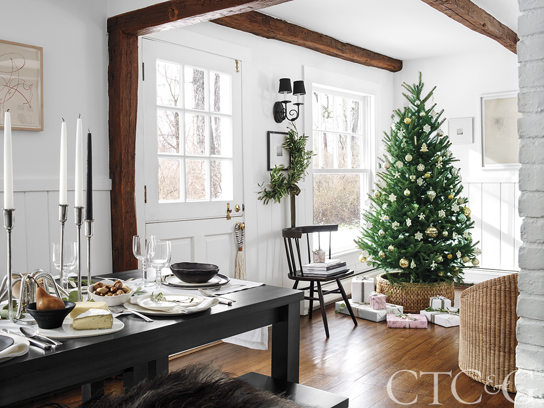 A Modern Farmhouse Gets Ready For Christmas Cottages Gardens