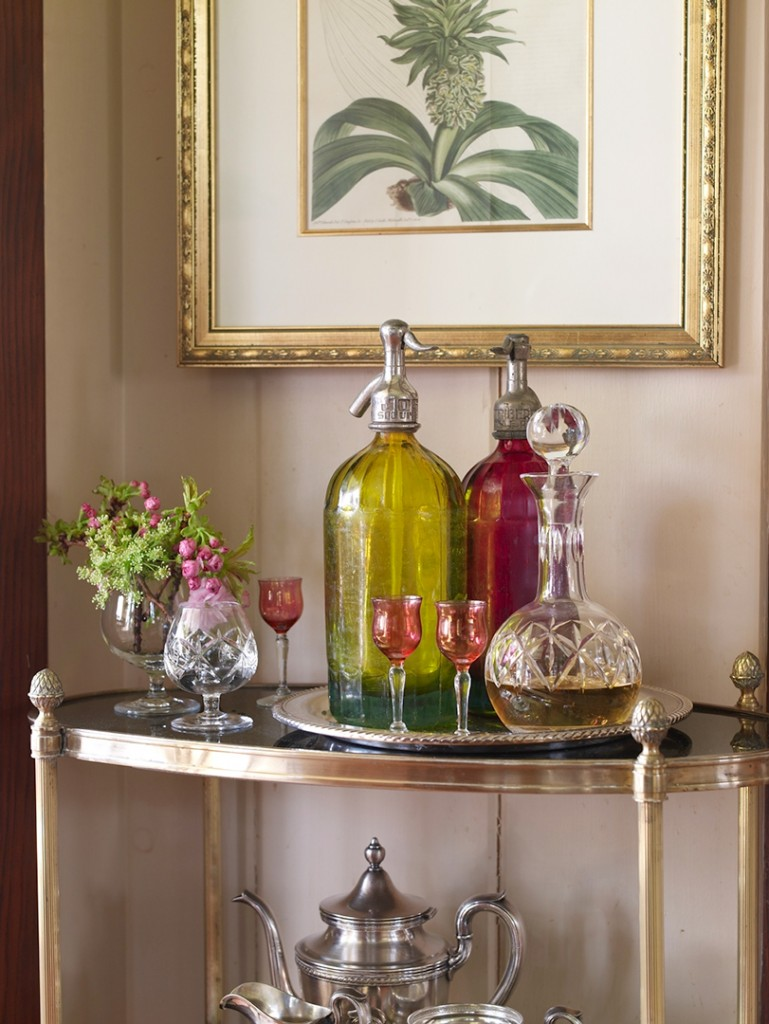 Bar Nook table with decorative pieces.