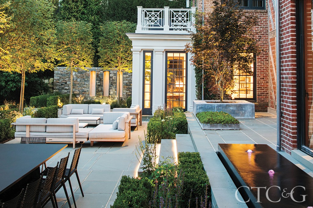 Greenwich Patio Outdoor Living Area