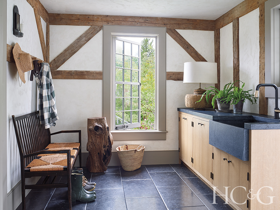 A big window lets light into the mudroom.