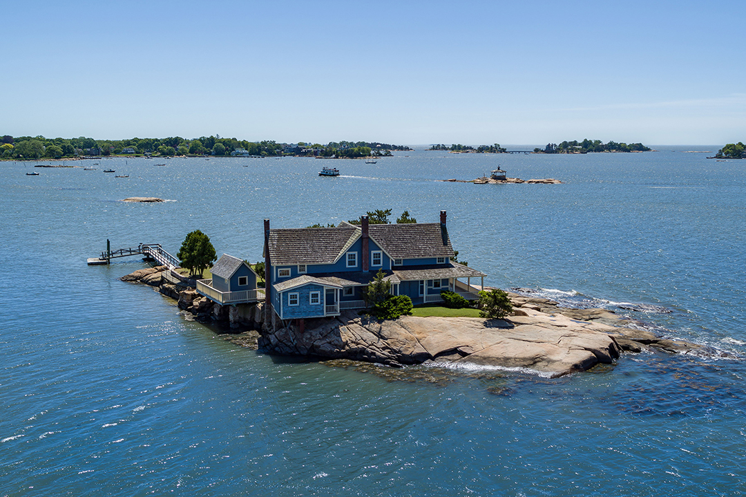 Live On Island Time Off The Coast Of Connecticut With These Luxe Listings Belden Island