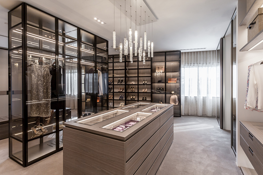 Precision Meets Fashion In These Glamorous Glass Doors Eggersmann Closet