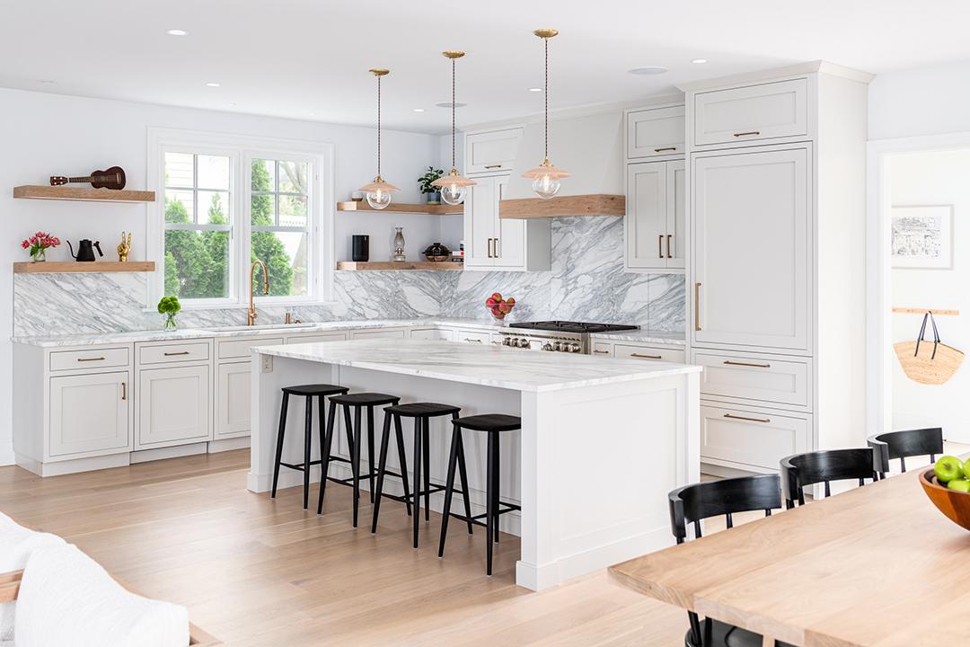 Young Familys Rowayton Home Balances Timeless Elegance And Trends Nukitchens Kitchen B