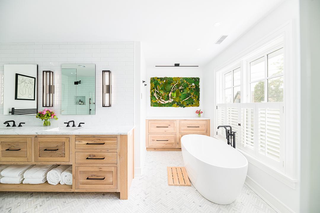 Young Familys Rowayton Home Balances Timeless Elegance And Trends Nukitchens Master Bath