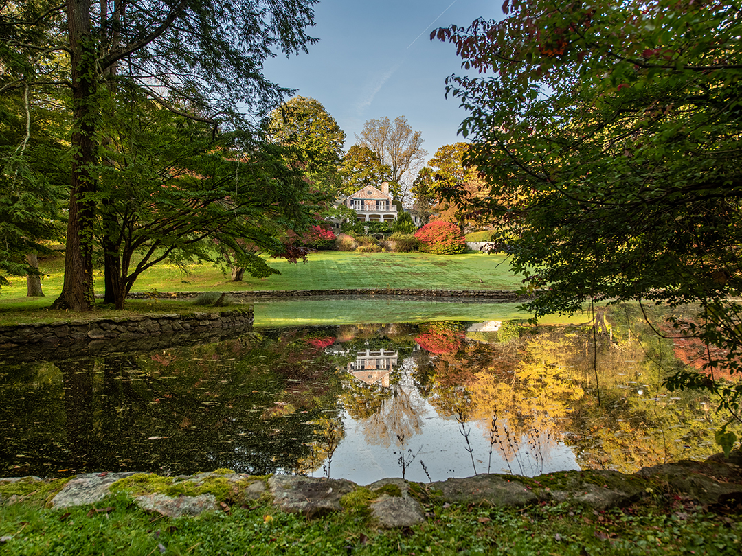 Paul Simons Secluded Haven In New Canaan Lists With A Fresh Price Pond