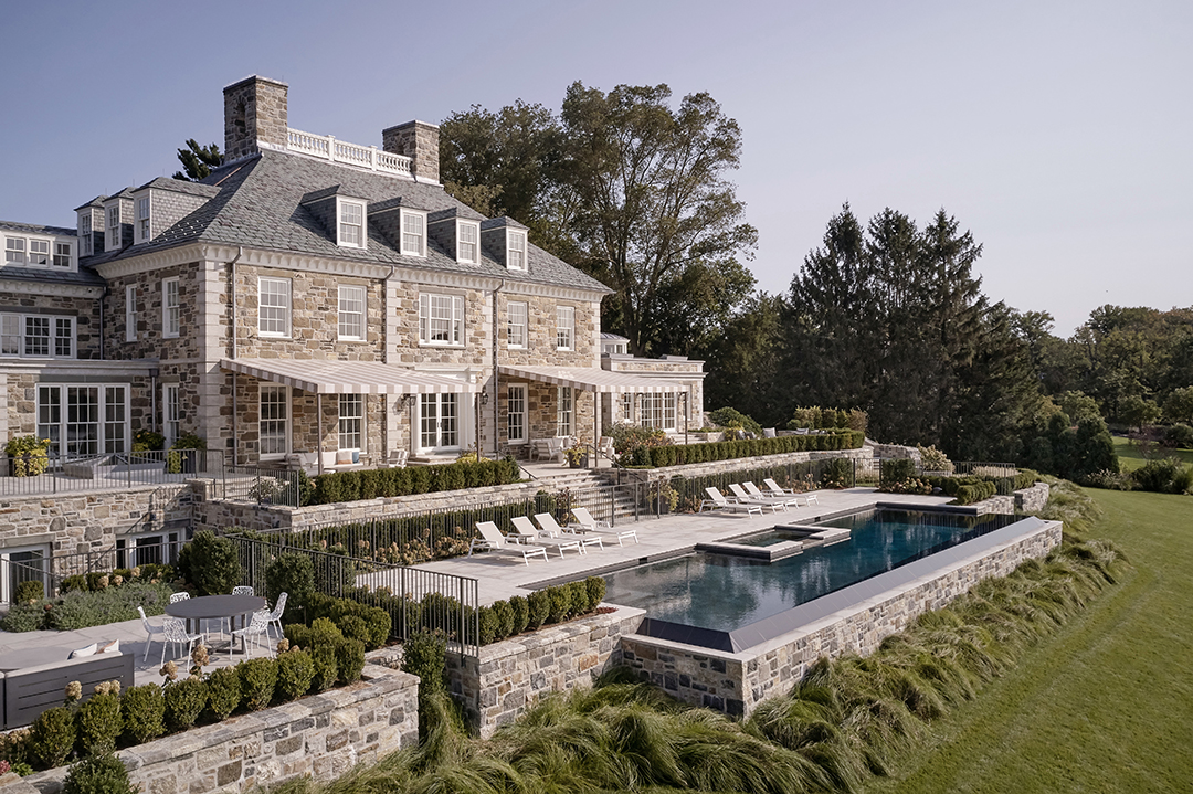 Explore Exquisite Luxury Homes Built By Hobbs Inc 16
