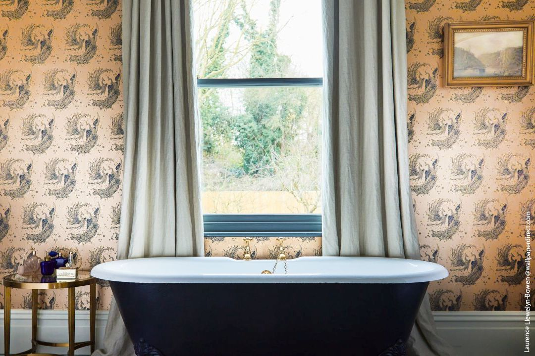 Discover Wonderful Wallpapers From Across The Pond Wallpaperdirect Laurence Llewelyn Bowen Bath