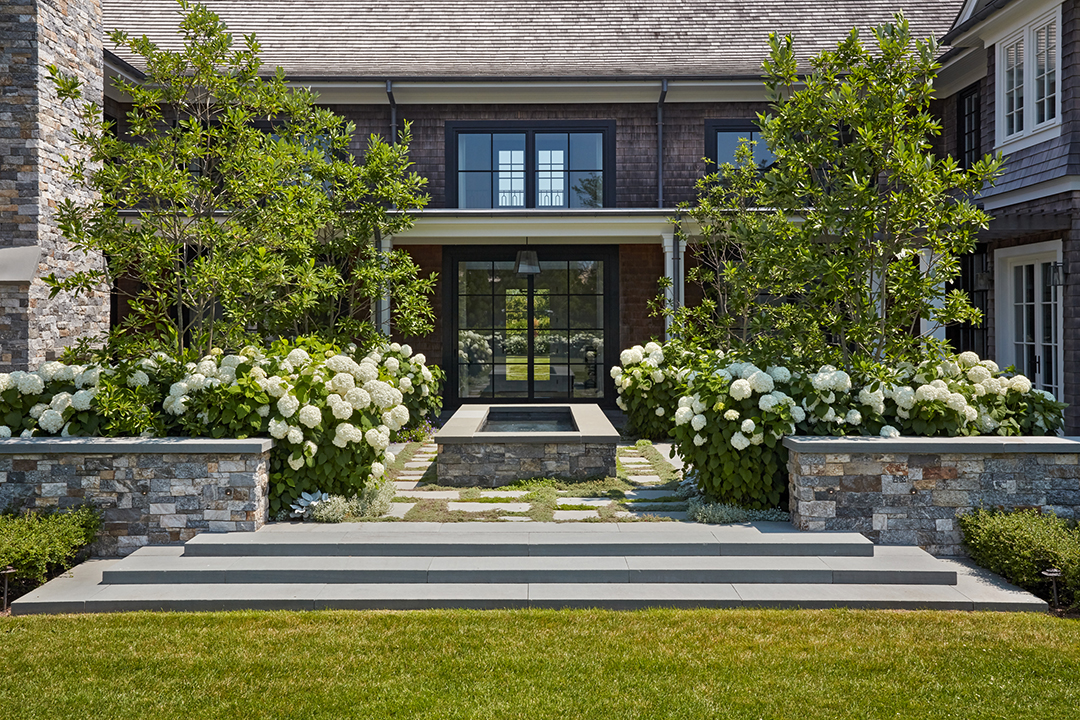 All About Hamptons Landscape Design And Trends With Groundworks Linda Silich Credit Charles Mayer Backyard