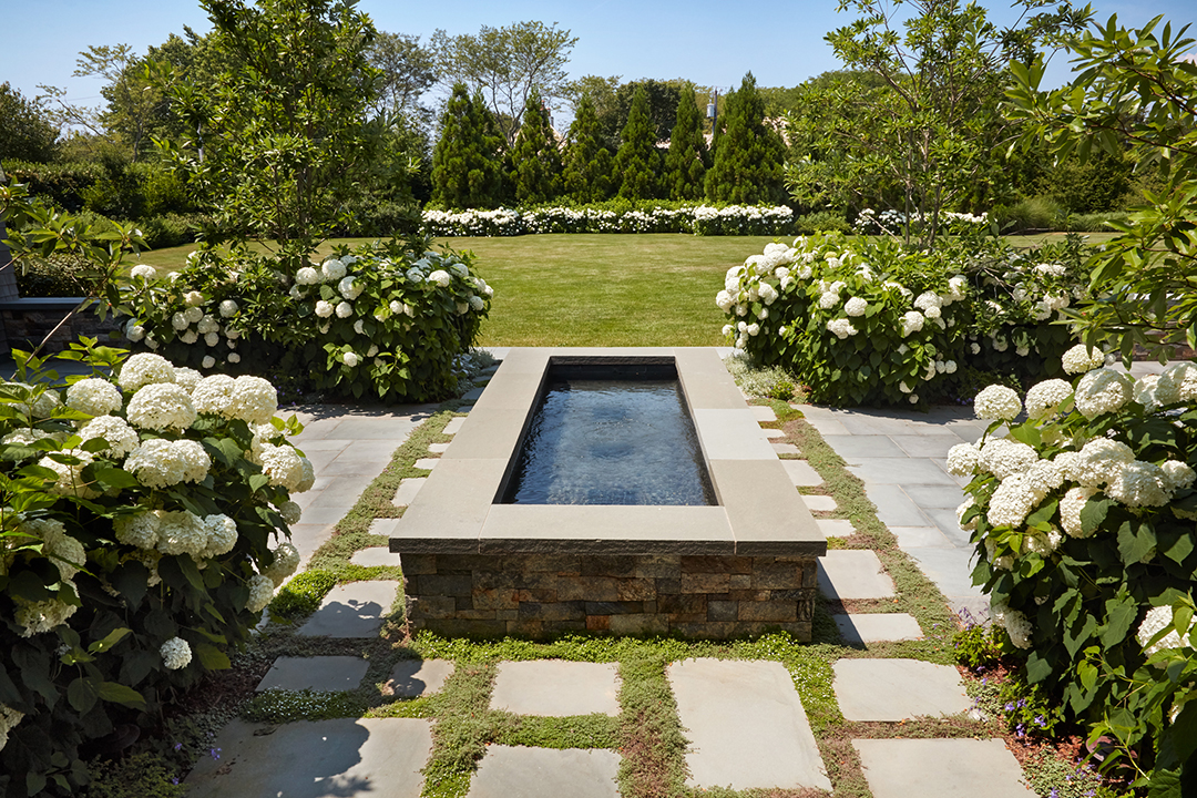 All About Hamptons Landscape Design And Trends With Groundworks Linda Silich Credit Charles Mayer Garden