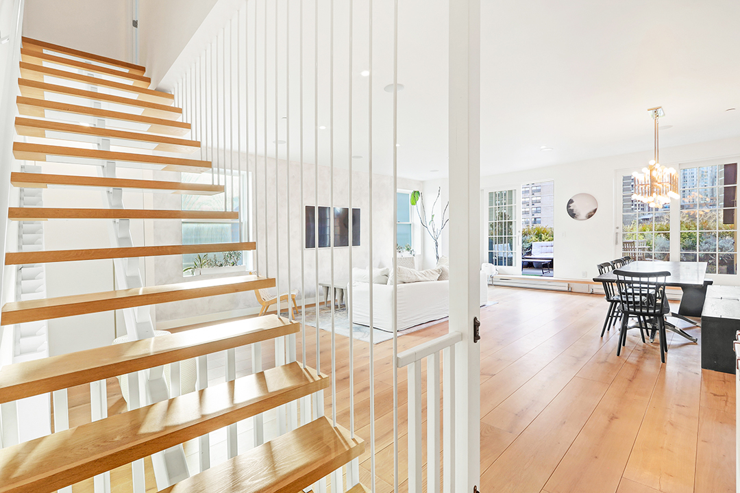 4 Expert Tips For Sellers Right Now In New York City Stairs