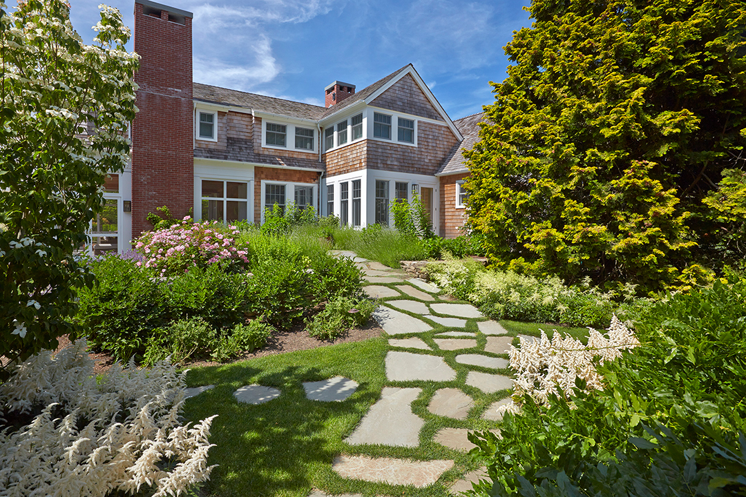 All About Hamptons Landscape Design And Trends With Groundworks Linda Silich Credit Charles Mayer