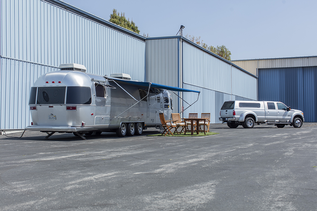Tom Hanks Will Soon Auction Off 3 Cool Cars And His Treasured Airstream Tom Hanks Air Stream 30