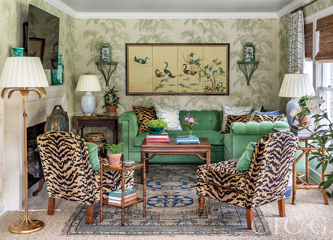 Inside A Southern Style Home In Litchfield County Tv Room