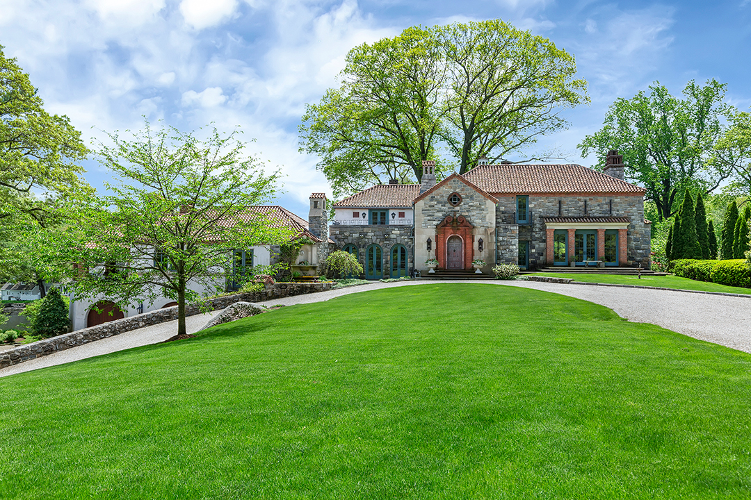 A 1936-Built Darien Villa Designed with Music in Mind Wants $6.8M
