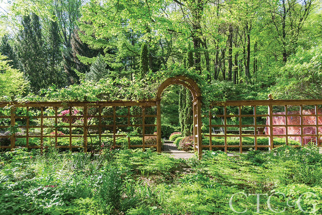 Tour a Carefree Naturalistic Garden in Newtown