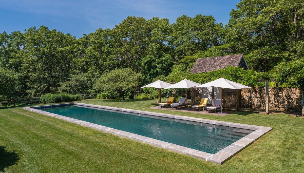Matt Lauer Takes Another Real Estate Hit in the Hamptons