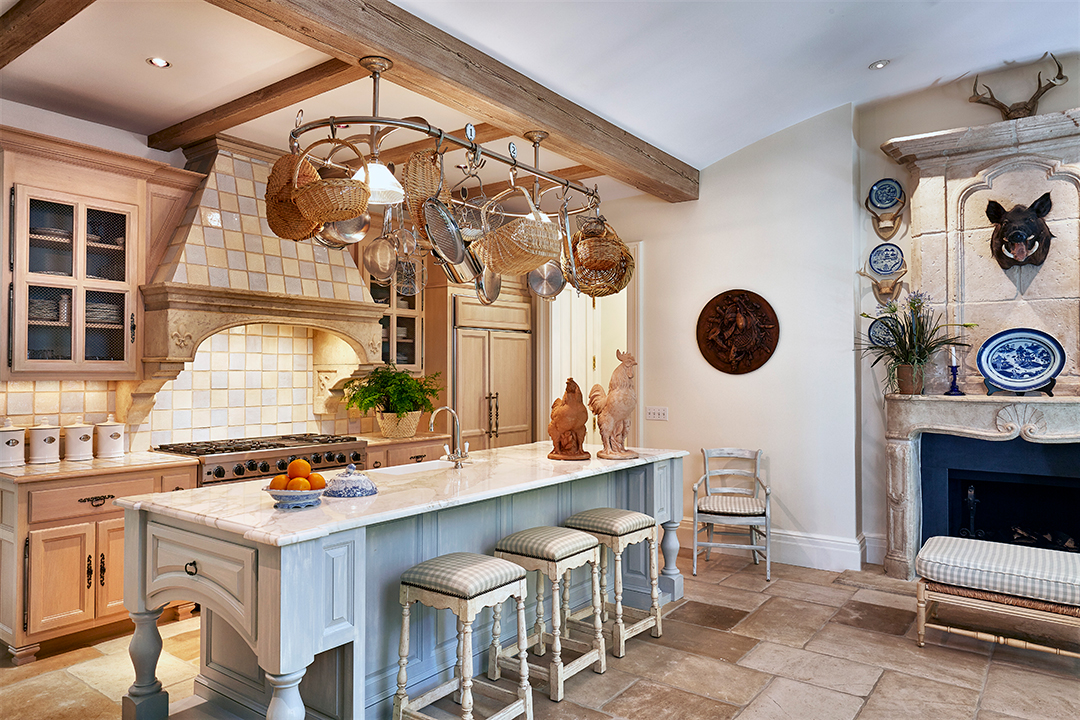 House Hunting For A Country Kitchen