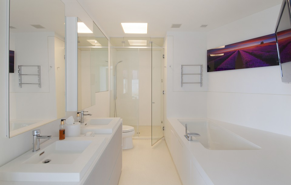 Modern master bathroom.